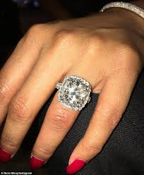 big diamonds rings images Nicki minaj shows off huge diamond ring from meek mill daily jpg