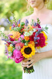 sunflower wedding bouquet sunflower wedding bouquets are bright and cheerful and so popular