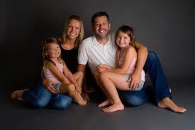 family photoshoot and 6 photos discount 9 instead of 275