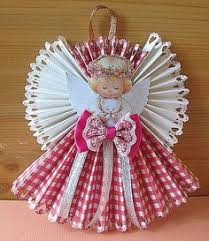 easy crafts accordian folded paper ornament step 10