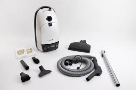miele vaccum miele vacuum with tools 1 yr warranty s444i