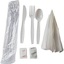 plastic cutlery berkley square heavy duty plastic cutlery kit 250 pack staples