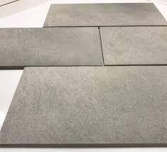 piastrelle x esterni tuscania piastrella per esterno in gres porcellanato scrub grigio
