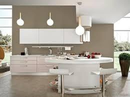 cuisine bois gris clair design de cuisine moderne comptoir de granit noir élégant