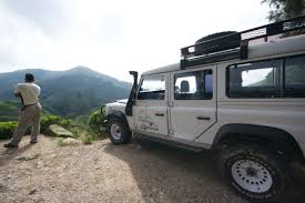 land rover darjeeling road tripping malaysia