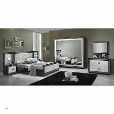 chambre laqué blanc chambre a coucher blanc laque brillant modele de chambre a