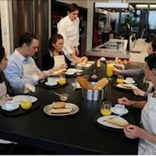 ecole cuisine classroom with kitchen in ecole de cuisine alain ducasse alain chic