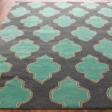 Teal And Green Rug Floating Medallion Hand Tufted Rug Shades Of Light