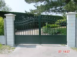 portails de jardin portillon fer vert portillon et portail expression maison