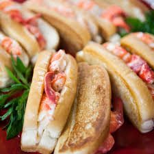 delicious summer lobster roll see more summer lobster recipes