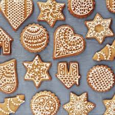 Decorated Gingerbread Cookies love the different shapes and