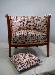tapisser un canapé fauteuils tonneaux à retapisser look fauteuil et technique