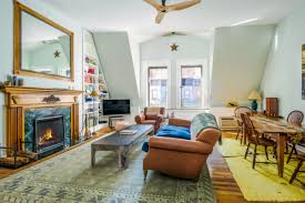 celebrity homes amy schumer s light filled nyc apartment glamour