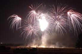chagne bottle fireworks fort vancouver fireworks display to be free this year the columbian