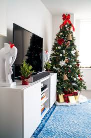 my christmas tree how i decorated the apartment covering the
