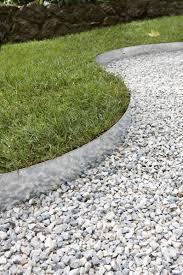 decoration minerale jardin des allées inspirées pour votre jardin leroy merlin