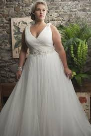 Wedding Dress For Curvy Wedding Dress Options For The Curvy Bride Paperblog