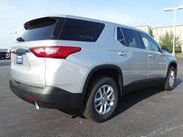 new 2018 chevrolet traverse ls sport utility in naperville t6663
