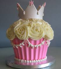 Easy Giant Cupcake Decorating Ideas Best 25 Large Cupcake Cakes Ideas On Pinterest Large Cupcake