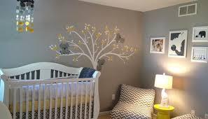 bricolage chambre bébé chambre enfant bebe idees couleurs deco jaune gris mr bricolage