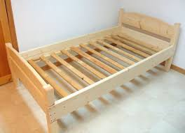 Simple Platform Bed Frame Plans by Best 25 Simple Wood Bed Frame Ideas On Pinterest Headboards For