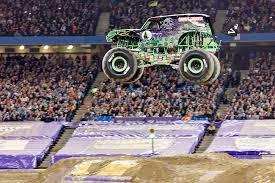 monster truck grave digger videos photos u0026 videos page 3 monster jam