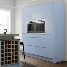wren kitchens this handleless kitchen in periwinkle and