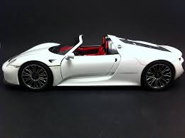 porsche 918 spyder white porsche 918 spyder 2013 white 1 18 minichamps 113062431 selection rs