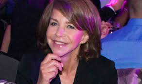 how are female celebrities dealing with thinning asg ing hair men behaving badly star leslie ash dreams of tv return after
