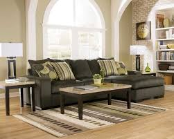 paint colors for small living room with dark green couch