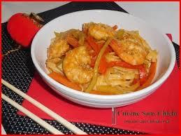 recette cuisine wok nouilles sautées au wok crevettes marinées et petits légumes