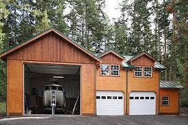 Rv Garage With Living Space Bentley Made To Store Multiple Vehicles The Bentley Offers A