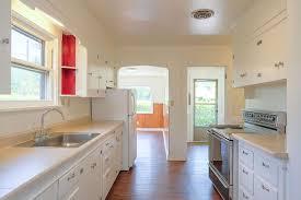 vintage 3 bedroom bungalo in se pdx 2712 se 85th ave portland or