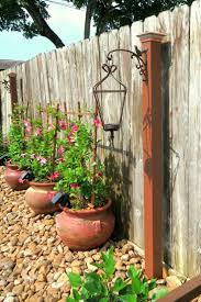 Outdoor Yard Decor Ideas Best 25 Fence Decorations Ideas On Pinterest Yard Lighting