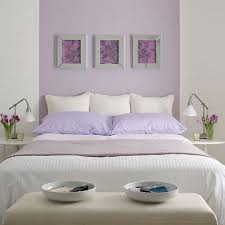 chambre coucher blanche taies oreillers couleur lilas jpg 800 800