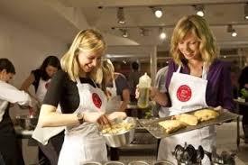 offrir un cours de cuisine avec un grand chef l atelier de cours de cuisine de lyon l atelier des chefs