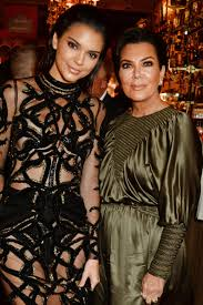 Kris Jenner Home Decor by Kendall And Kris Jenner Try On Wigs At Kathy Griffin U0027s Home