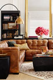 Traditional Leather Living Room Furniture Living Room Classic Pendant Ligh Decoration Colorful Pillow For