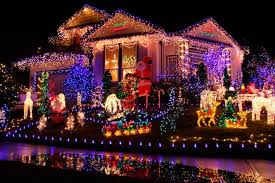 people who hang christmas lights here s how much your christmas lights really raise your electric