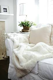 plaid blanc pour canap plaids pour canapes joli plaid en fourrure blanche pour le canape