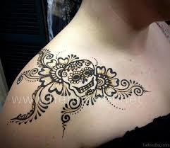 45 lovely henna on shoulder