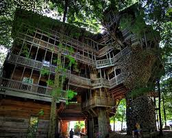 Pictures Of Big Houses 17 Of The Most Amazing Treehouses From Around The World Bored Panda