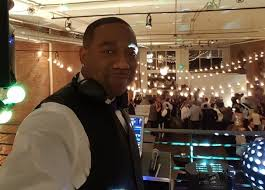 how much do wedding djs cost how much does a wedding dj cost seattle tacoma dj