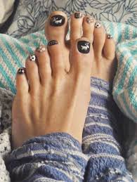 19 cute toe nail designs for winter styleoholic