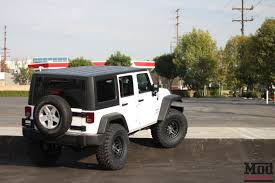 modified white jeep wrangler 7 key mods you ve got to do to your jeep jk wrangler modbargains