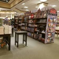 Barnes And Noble Michigan Barnes U0026 Noble 19 Photos U0026 14 Reviews Bookstores 6134 S