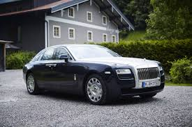phantom roll royce special report rolls royce wraith ghost and phantom comparison