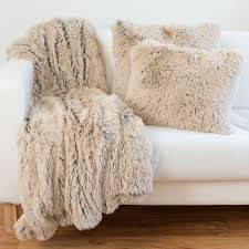 Pottery Barn Faux Fur Pillow Best 25 Faux Fur Pillows Ideas On Pinterest Fluffy Pillows Fur