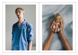 billeder af folk med den barndomsting som de ikke kan få sig selv