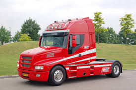 ferrari truck iveco strator ferrari commercial vehicles pinterest